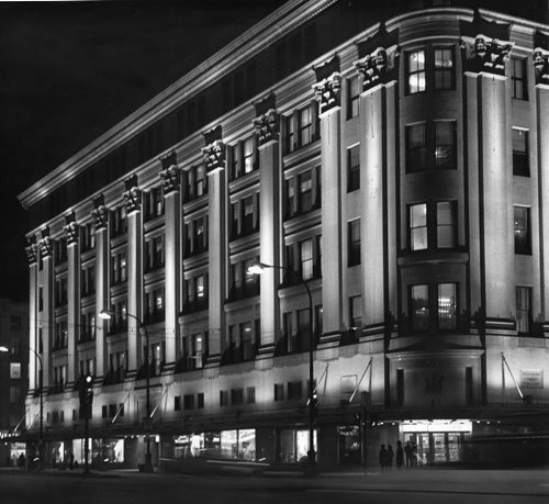 Hudson's Bay Company downtown store. March 13, 1973 Gerry Cairns / Winnipeg Free Press Archives
