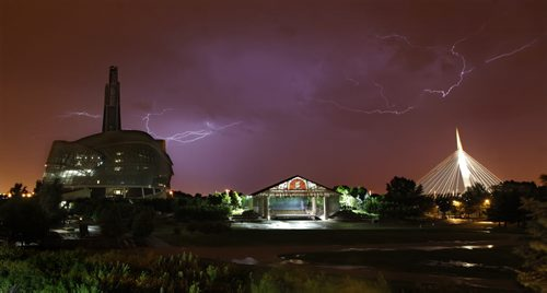 June 25, 2013 - 130625  -  A storm lit up Winnipeg Tuesday, June 25, 2013. John Woods / Winnipeg Free Press - lightning
