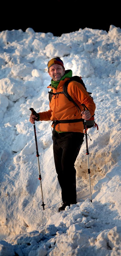 Winnipeg climber Dean Carriere has climbed the seven summits of the world and is preparing to take a group to climb Mount Kilimanjaro next month. He's scaling a local snow peak Wednesday for this photo. See Geoff Kirbyson photo. January 29, 2014 - (Phil Hossack / Winnipeg Free Press)