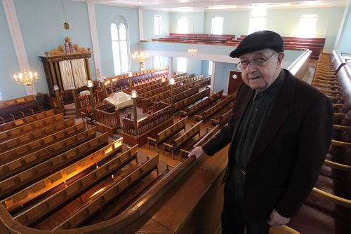 Ashkenazi Synagogue 297 Burrows Avenue. Saul Spitz takes care of the place and is in his 80's. BORIS MINKEVICH / WINNIPEG FREE PRESS  Feb. 10, 2014