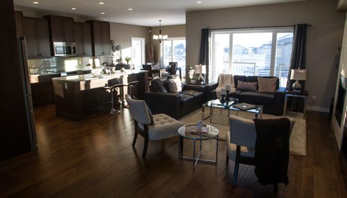 New Home 5 Orchard Gate 150112 - Monday, January 12, 2015 -  (MIKE DEAL / WINNIPEG FREE PRESS)