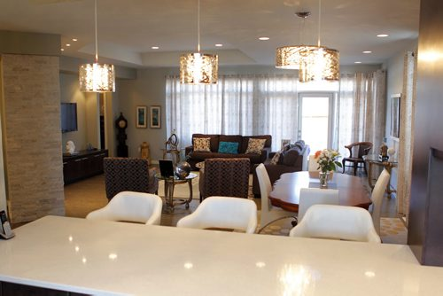 RESALE HOMES - 35 Fox Run Place in McBeth Landing.  View from the kitchen looking onto the dining room and back living room. BORIS MINKEVICH/WINNIPEG FREE PRESS MARCH 17, 2015
