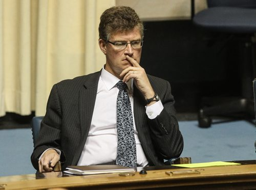 Andrew Swan reacts while Premier Greg Selinger defends and Brian Pallister the leader of the opposition skewers Steve Ashton over the $5-million deal to acquire flood-fighting equipment for First Nations. 150618 - Thursday, June 18, 2015 -  MIKE DEAL / WINNIPEG FREE PRESS