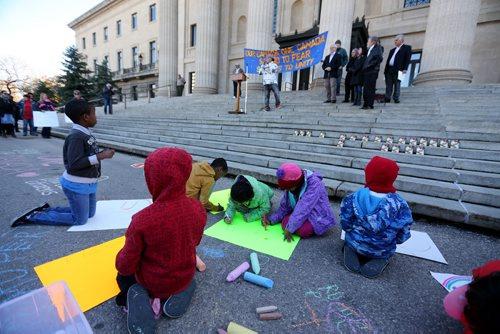 More than 200 anti-racism and anti-Islamaphobia protestors gathered outside the Manitoba Legislative Building, Saturday, October 17, 2015. (TREVOR HAGAN/WINNIPEG FREE PRESS)