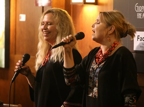 The Todaschuk sisters (Rosemarie (left) and Charlene) sing carols from their recording the Spirit of Ukrainian Christmas with the Todaschuk Sisters at McNally Robinson on Jan. 2, 2016. Photo by Jason Halstead/Winnipeg Free Press RE: Feature on Ukrainian Christmas