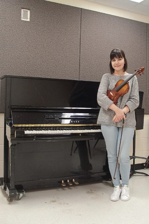 Canstar Community News Jan. 17, 2017 - Miona Milovanovic is a Grade 10 music student at River East Collegiate. (SHELDON BIRNIE/CANSTAR/THE HERALD)