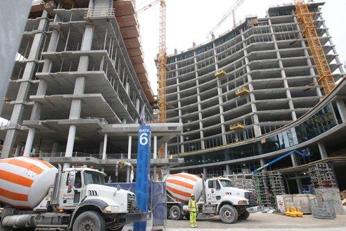 JOE BRYKSA / WINNIPEG FREE PRESSTrue North Square under construction Carlton St   -Oct 03, 2017 -( See Murray McNiell story)