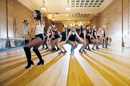 JOHN WOODS / WINNIPEG FREE PRESS Students of Meagan Funk, left, rehearse for a show during a Prairie Diva burlesque class at a dance studio in Winnipeg Sunday, April 15, 2018.