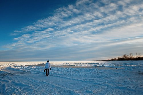 JOHN WOODS / WINNIPEG FREE PRESS Team Canada skip Kerri Einarson walks to her homemade rink on Lake Winnipeg north of Gimli Tuesday, January 12, 2021. Her father Jeff Flett made the rink so that Einarson could practice for the upcoming Scotties Tournament of Hearts in Calgary in February.  Reporter: Bell